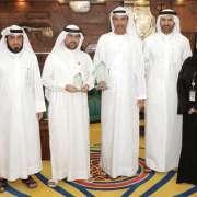 مدير عام بلدية دبي يتسلم جائزة الأفكار الإبداعية البريطانية